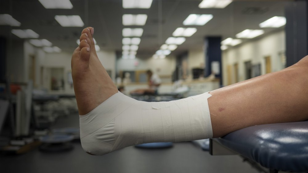 How Athletic Taping Can Help Cut Your Risk of Foot Injury